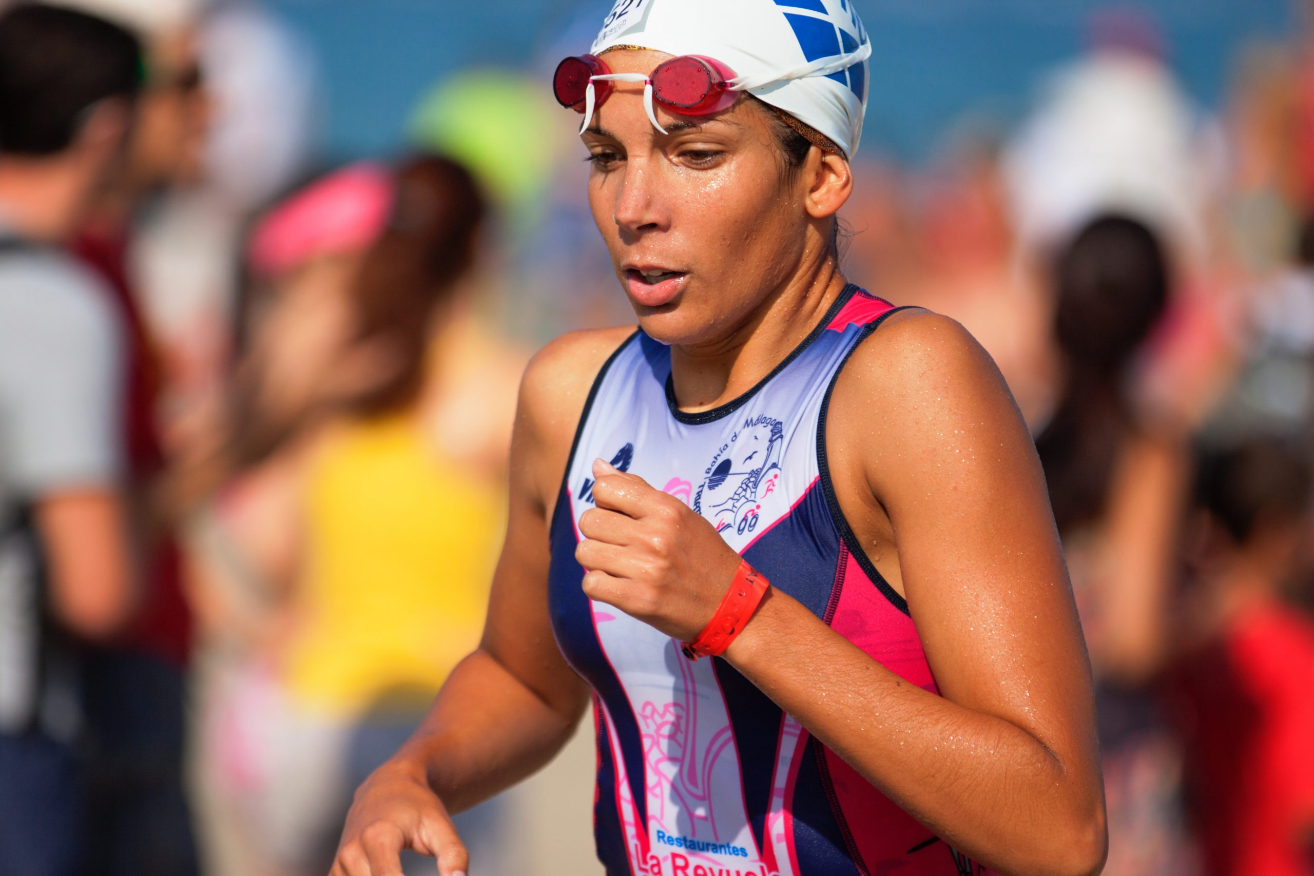 quino-al-490977-unsplash WOMEN RUN SWIM